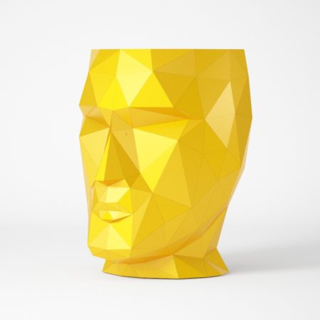 Geometric head-shaped stand